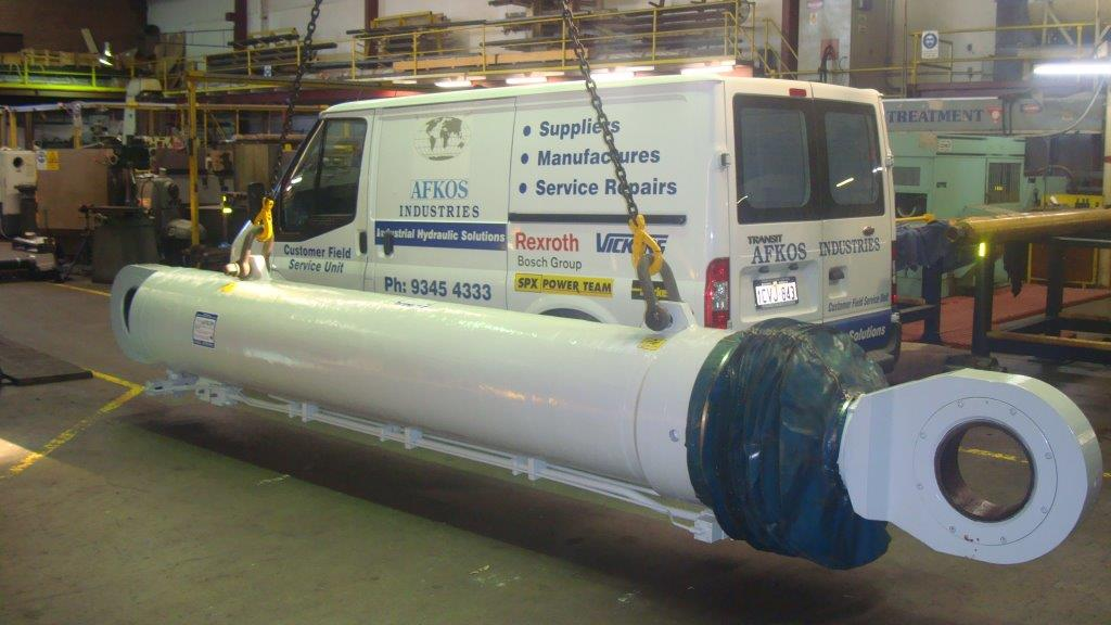 Service repairs to large luffing cylinders afkos industries